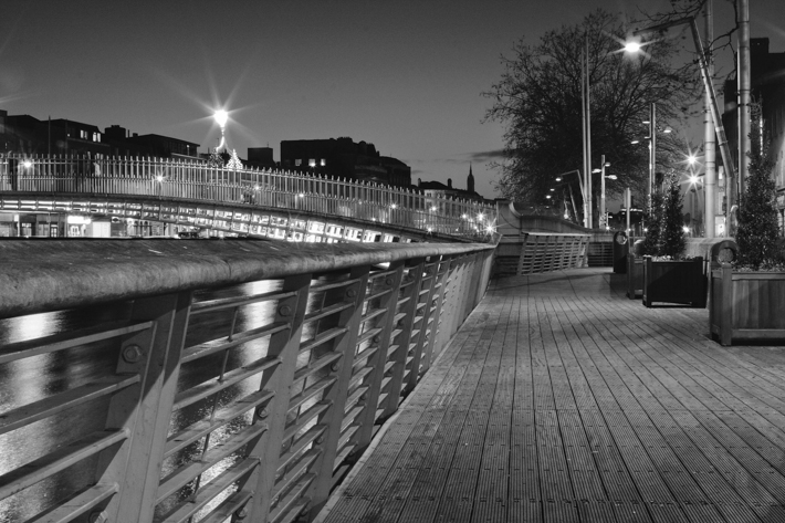 Dublin Freelance Writer: Dublin at night